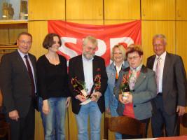 Werner Ecker wird für 20 Jahre Ortsvereinsvorsitzender geehrt
