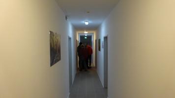 der alte Tanzsaal - nun aufgeteilt in Zimmer für die Asylbewerber