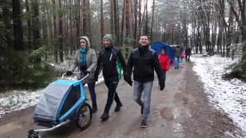 weiter durch den Wald nach Lindelburg