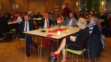 der Prominententisch: Thomas Beyer, Bernd Ernstberger, Marco Schneider, Jenny Nyenhuis und Andrea Lipka