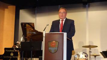 Begrüßung durch den Hausherrn Bürgermeister Bernd Ernstberger