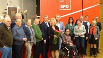 Gruppenbild mit den SPD-Kandidaten zur Bezirkstags- und Landtagswahl