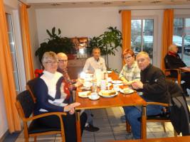 Die SPD Gemeinderatskandidaten Erika Groß, Michael Klöpsch, Ulli Vetter und Michael Wolf freuten sich über die rege Teilnahme der Bewohner