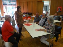 Ronja Endres im Gespräch mit den Besuchern der Veranstaltung