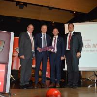 Ortsvereinsvorsitzender Martin Glienke, Bürgermeister Bernd Ernstberger und Bürgermeisterkandidat Sebastian Legat bedankten sich bei Nürnbergs Oberbürgermeister Dr. Ulrich Maly für seine motivierende Rede.